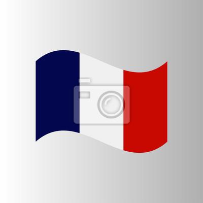 Drapeau français dans le temps venteux sur un fond blanc
