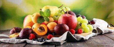 Sticker Fruits d'été frais avec pomme, raisin, baies, poire et abricot