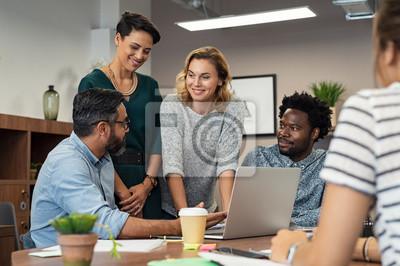 Sticker Gens d'affaires créatifs travaillant ensemble