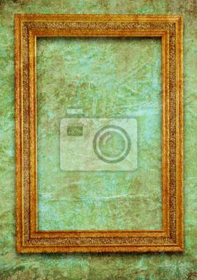 Golden frame sur le mur vert