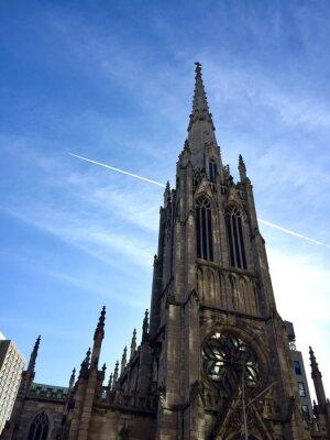 Grace Church avec ciel nuageux à New York