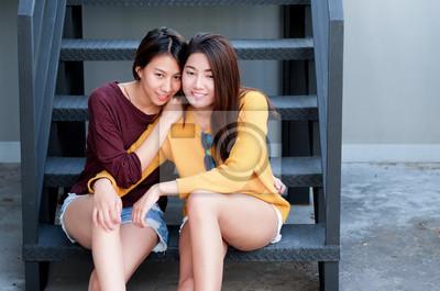 couples lesbiennes asiatiques