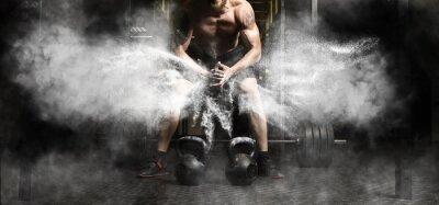 Sticker Homme musclé d'entraînement avec kettlebell au gymnase