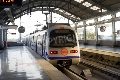 Sticker Indian rame de métro moderne à Delhi