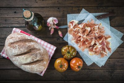 Sticker Jamón, casserole, tomate, huile de olive et ajo pour faire le pain typique tumaca español