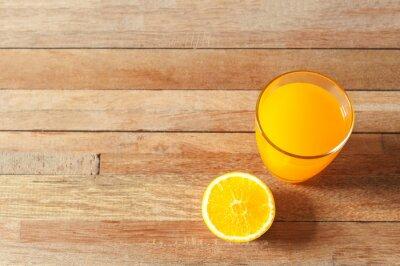 Jus d'orange et orange frais