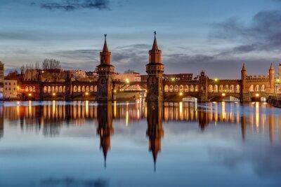 Sticker La rivière Spree et l'Oberbaumbruecke à Berlin à l'aube