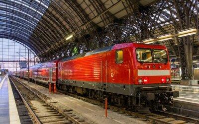 Sticker Locomotive électrique avec le train régional à Francfort, Allemagne