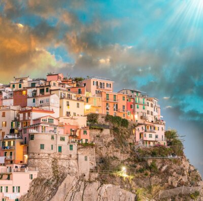 Sticker Manarola, Cinque Terre. Coucher de soleil sur Cinq Terres, Italie
