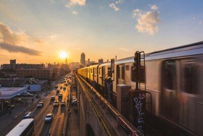 Sticker Métro à New York au coucher du soleil