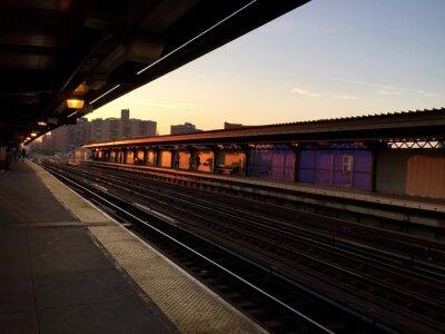 Métro, plate-forme, perspective, vue, Coucher soleil, ciel, Flushing, ave, Brooklyn, nouveau, York