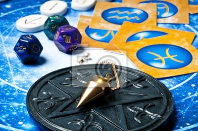Sticker Oracle concept ésotérique avec pendule, signes du zodiaque,  astrologie cubes et runes e9c47c027bb