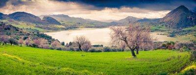 Sticker Panorama du matin coloré du lac Rosamarina