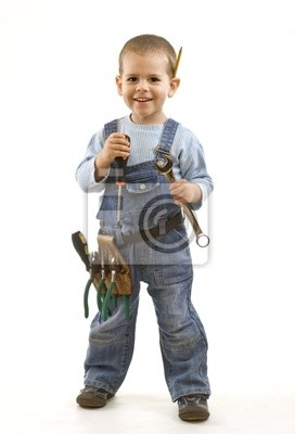 Petit garçon construction