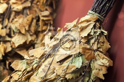 Photo Gros plan des branches de bouleau séchées, accessoires de sauna russe