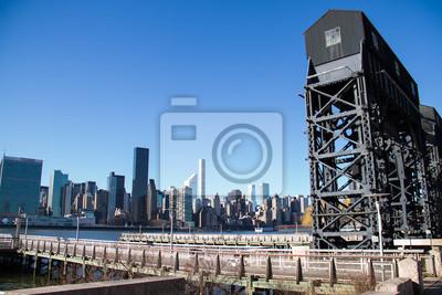 Pier à Gantry Plaza State Park pier et bâtiments à Manhattan