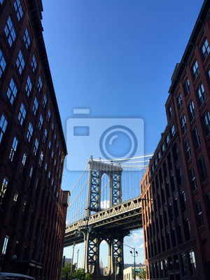 Pont de Manhattan entre les bâtiments, Brooklyn, New York