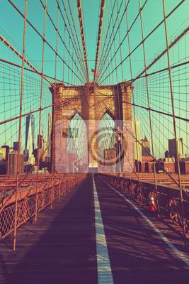 Pont piétonnier déserté de Brooklyn Bridge