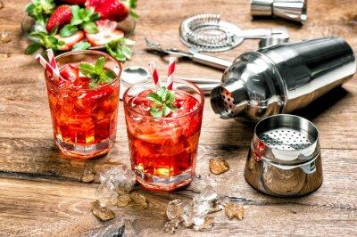 Sticker Rouge boisson avec de la glace. Outils de bar à cocktail