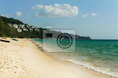 Seascape à la plage de Naiyang, Phuket en Thaïlande.