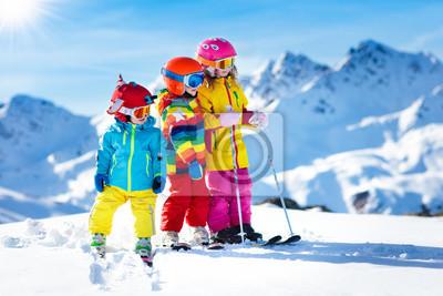Sticker Ski et neige d'hiver amusant pour les enfants. Enfants ski.