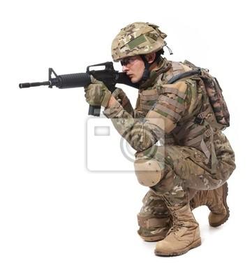 Soldat moderne avec un fusil