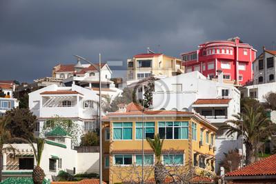 Street View avec des maisons traditionnelles de vie colorées. Tanger, Mo