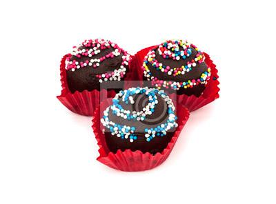 Sweet dessert: gâteau au chocolat, sur fond blanc
