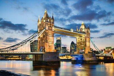 Sticker Tower Bridge à Londres, Royaume-Uni dans la nuit