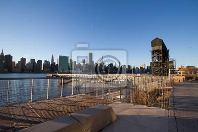 Transférer des ponts, des pans de soutènement et des piles au pittorese Plaza State Park et à la ville de Manhattan