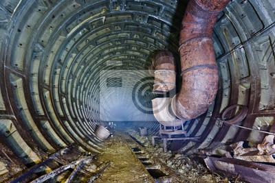 Tunnel de métro abandonné. Kiev, Ukraine. Kiev, Ukraine