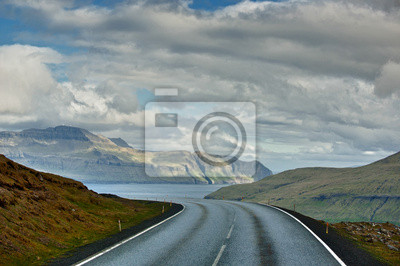 Une route isolée de l'île de Far Oer