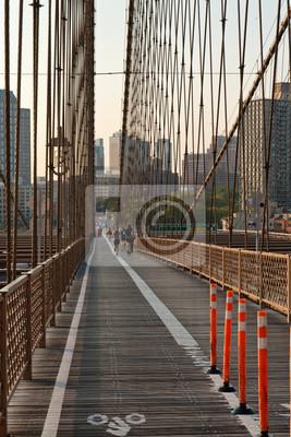 Vélo et promenade piétonnière sur le pont de Brooklyn