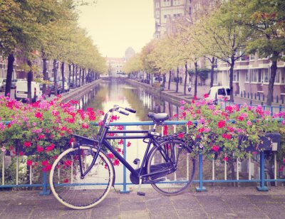 Sticker vélo sur un pont