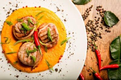 Sticker Viande épicée, beignets, poulet, boeuf, sauce, herbes, thaï, recette ...