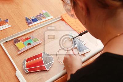 Vitrail travaille avec des petits souvenirs colorés
