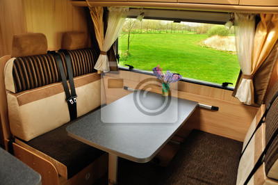 https://img.myloview.fr/stickers/vr-camping-car-camping-car-caravane-interieur-400-1983836.jpg