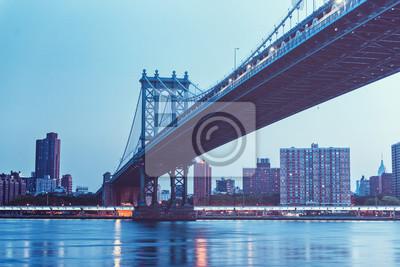 Vue de dessous du pont de Manhattan