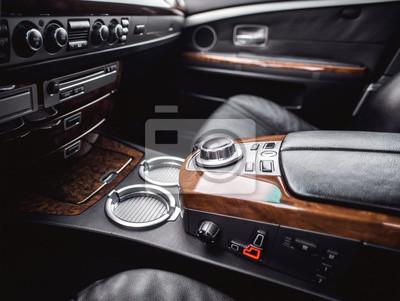 Vue intérieure de la voiture avec salon en cuir. vue, intérieur ...
