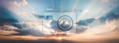 Sticker paysage panoramique du ciel avec des nuages au crépuscule