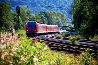 Sticker Zug verlässt den Bahnhof, Abfahrt